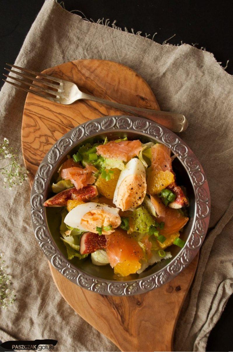 Sałatka z łososiem i figami